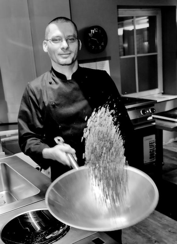 Sebastian Schmidt ist Koch im Restaurant Herr Grünfink