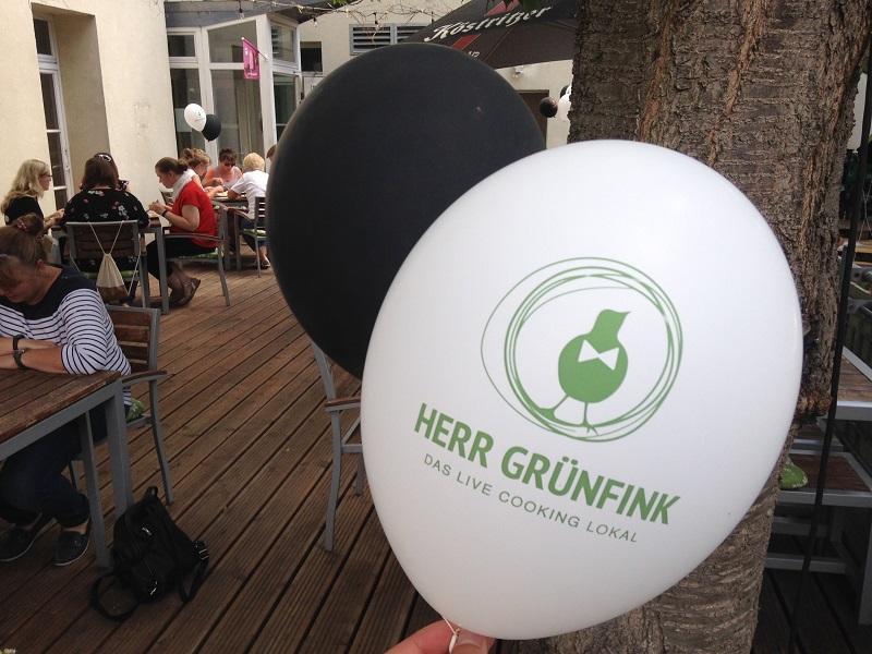 """Im Neubrandenburger Restaurant """"Herr Grünfink"""" ist seit einigen Wochen wieder die Gastlichkeit eingezogen."""